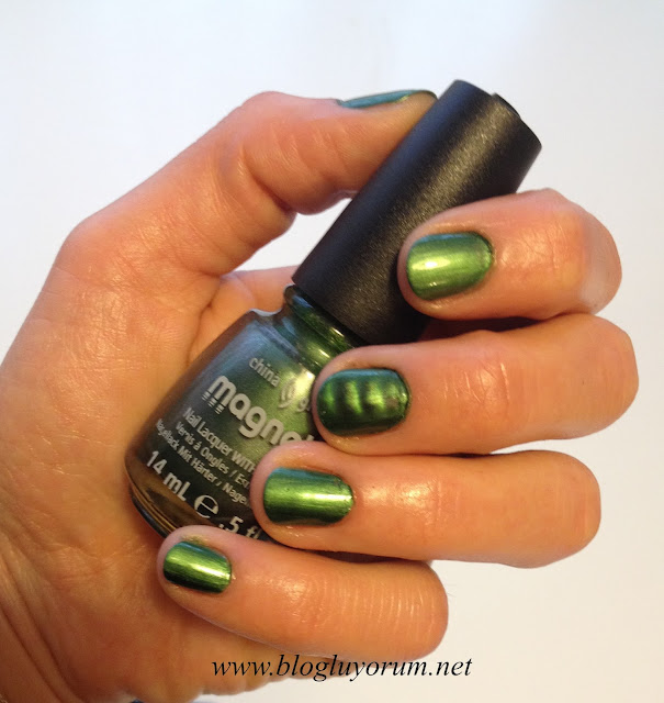 CHINA GLAZE MAGNETIX 1162 CON-FUSED YEŞİL OJE 1