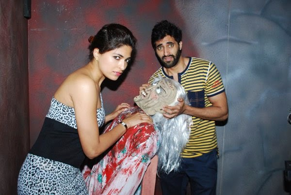 Akshay Oberoi and Parvathy Omanakuttan promote Pizza at a mall