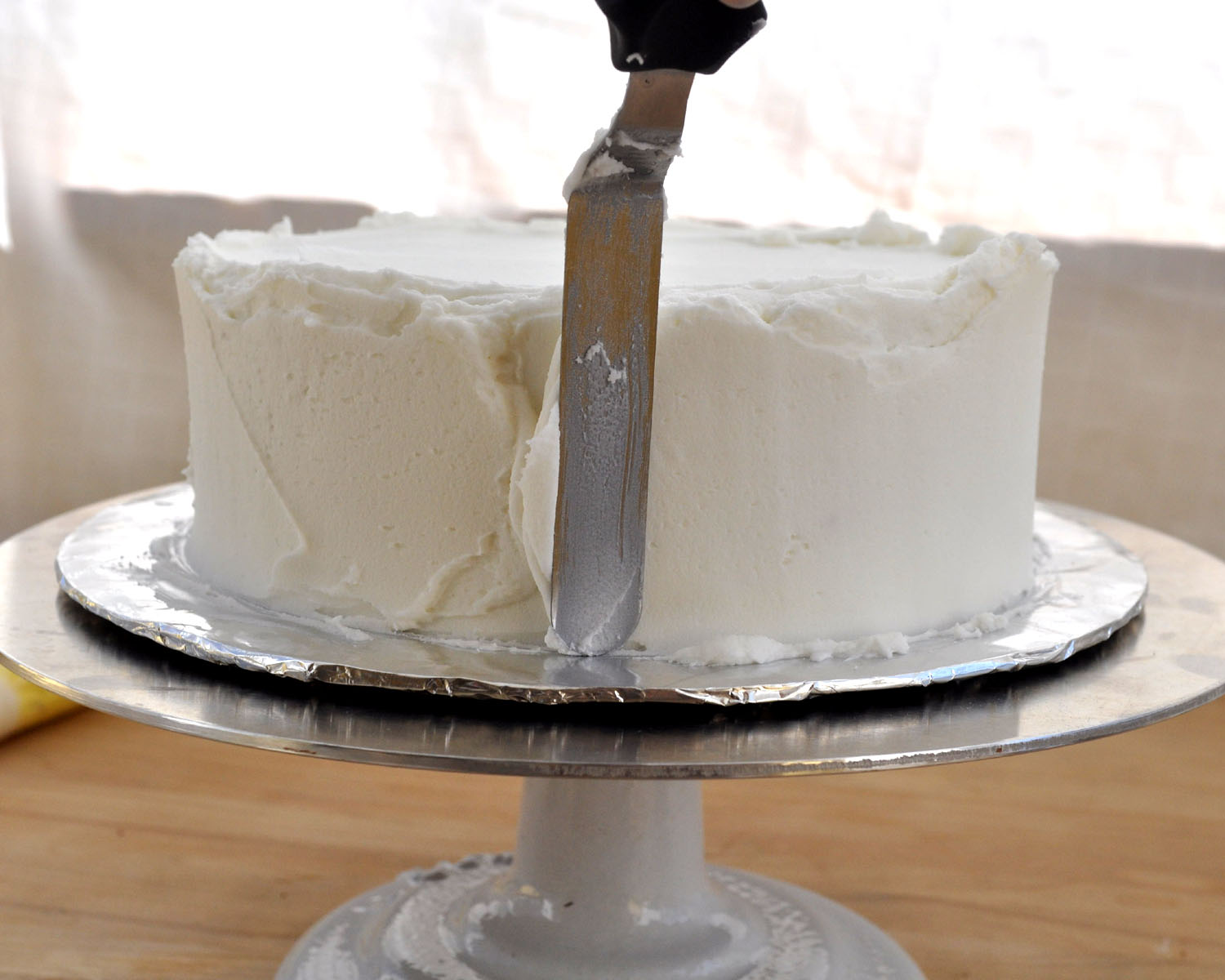 Chocolate Ganache Icing Is The Most Rich Decadent Icing For The Chocolate Lover In Your Life This Is The Only Way To Cover A Cake