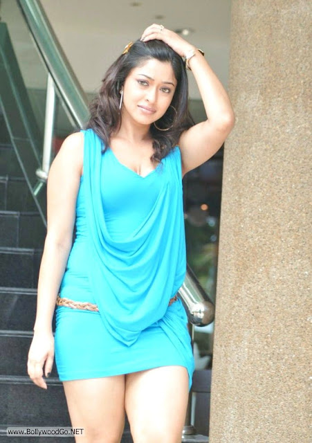 Payal ghosh shows off her amazing thighs in this very short blue dress -  Payal Ghosh Bluedress hot pics