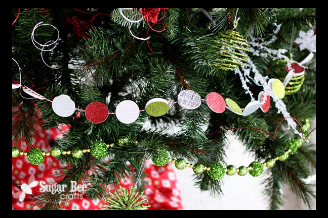 Diy holiday circle garland sugar bee crafts for Garland christmas tree craft