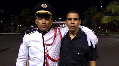 Cadete Alan ao lado do seu irmão,Aliandro Borges,redator-chefe do CORREIO.