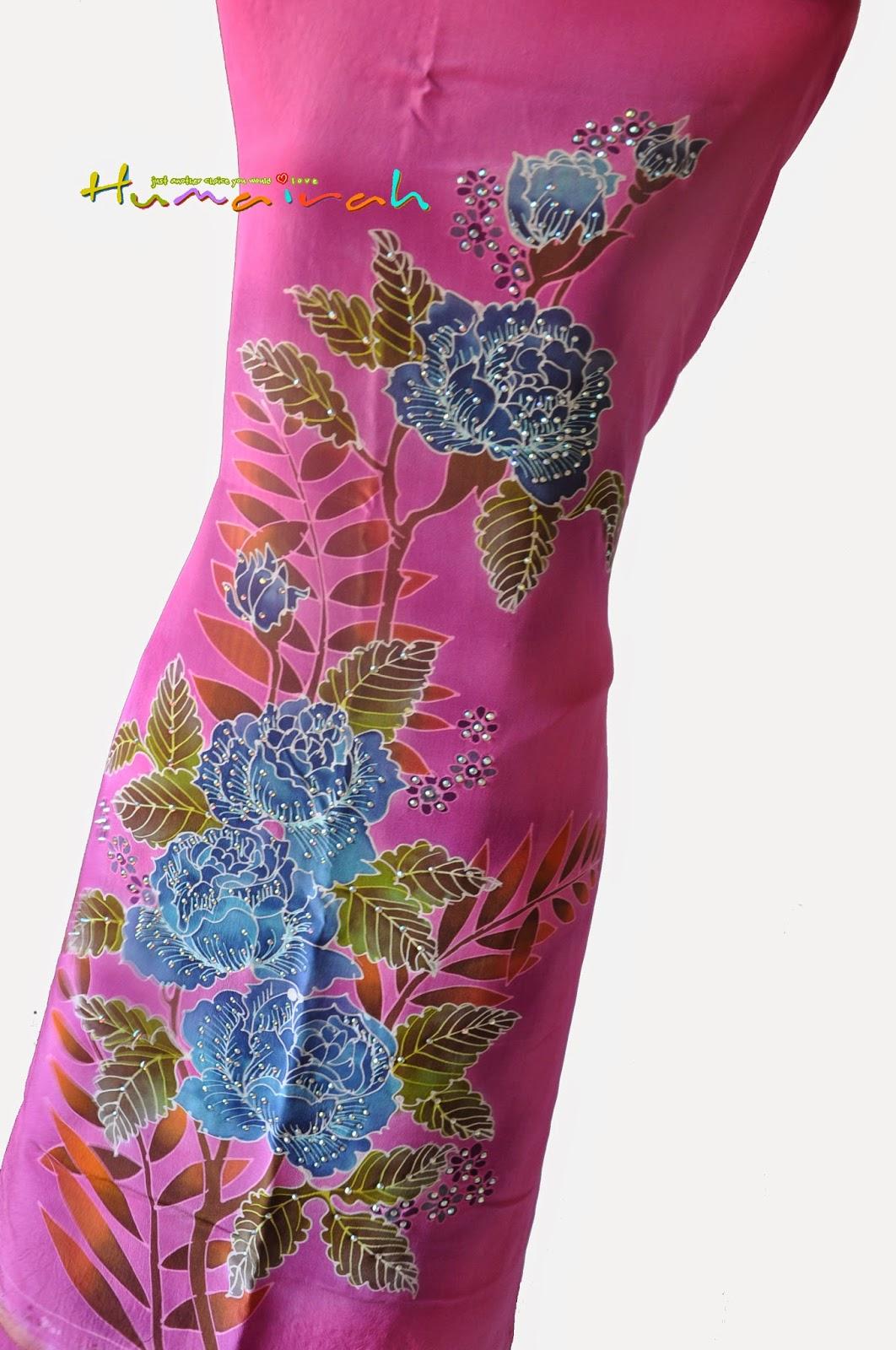 CX81 Batik Sutera Exclusive Batu - Pink dan Biru Motif Bunga Ros 4
