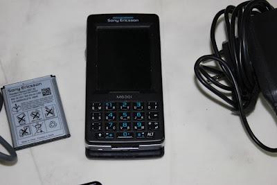 Sony Ericsson M600i mobiltelefon med laddare och batteri i ok skick. Telefonen i fint skick. säljes