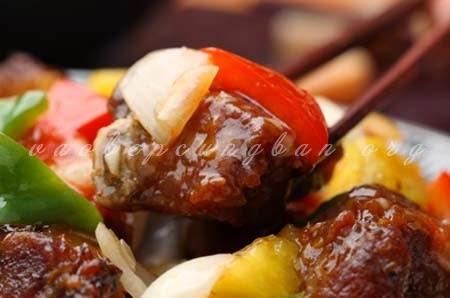 Cách làm sườn xào chua ngọt với rau củ tươi ăn là thích3