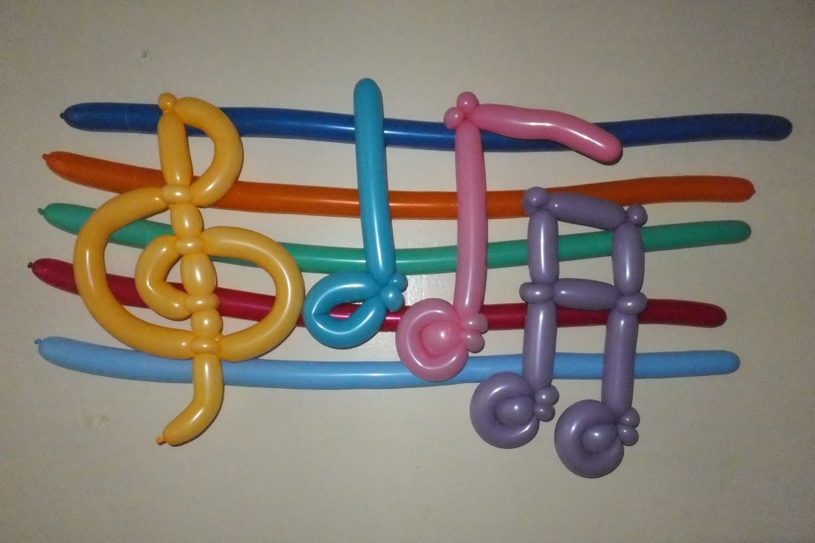 Balloon Animals Twisting Instructions Music Balloon Notes