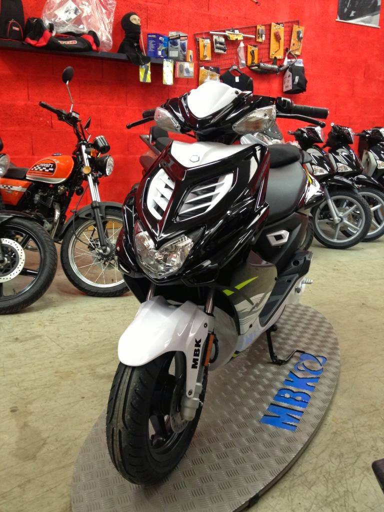 MBK Nitro Latest Red Scooty Models Show Room Collections