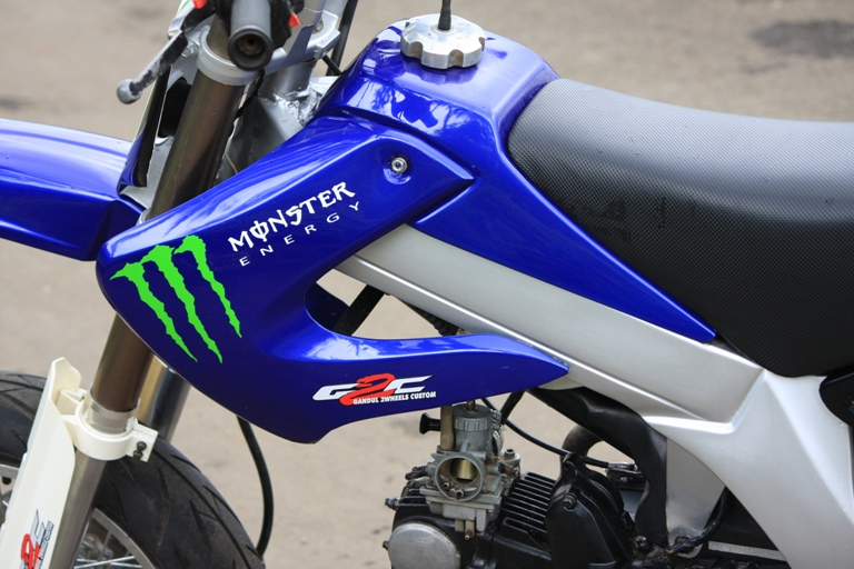 kumpulan foto motor Honda Legenda Super Moto Konsep Modifikasi  title=
