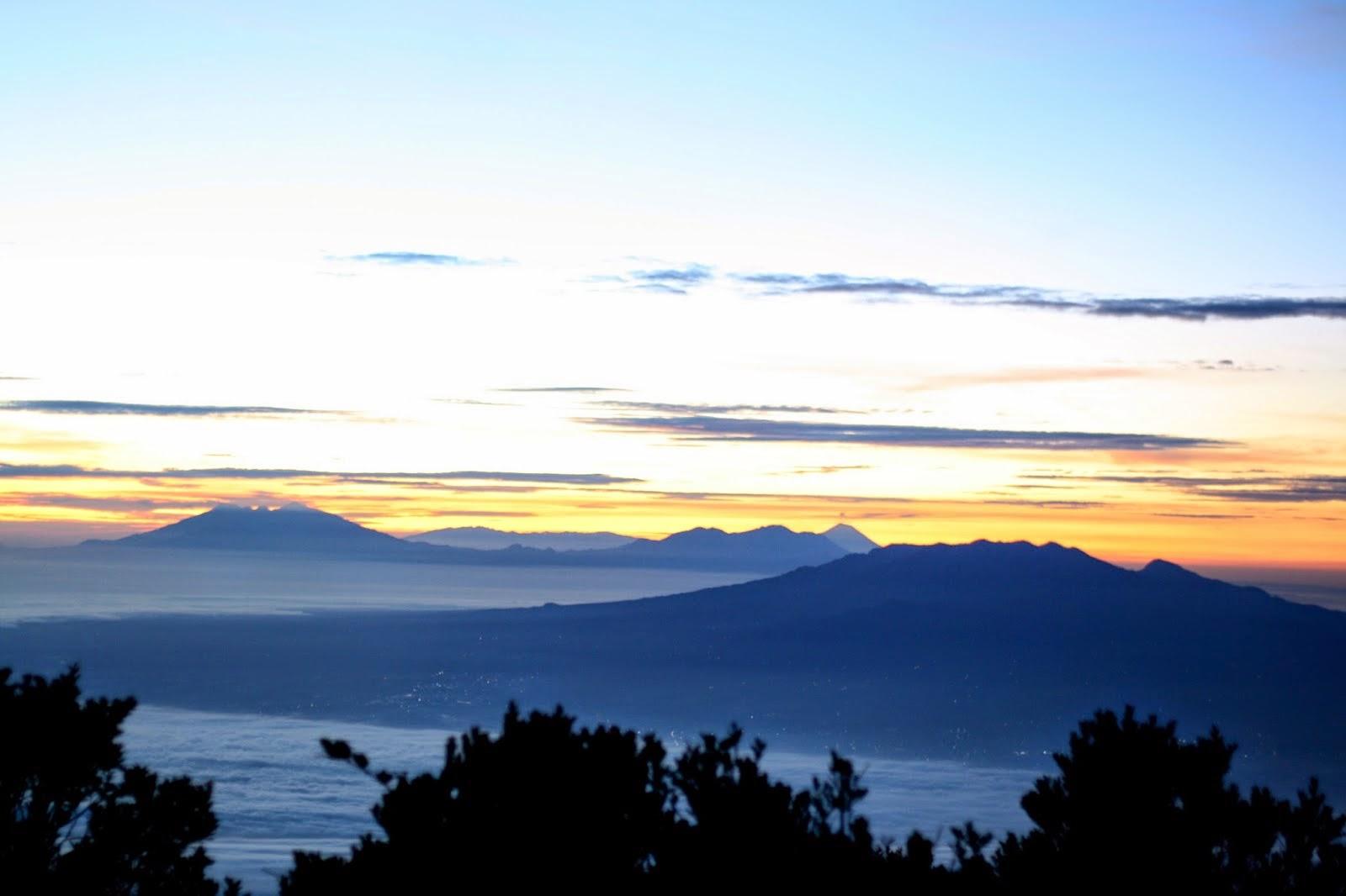 gunung lawu yang mempesona rudiharto.com