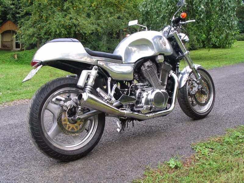 Suzuki VX800 Modif Cafe Racer