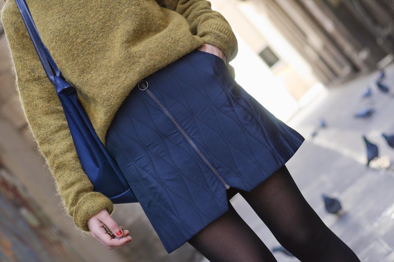 Jersey HM, Falda TopShop, Bolso Longchamp, zapatos Urban Outfiters