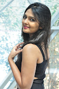 Neha Deshpande at Pochampally Ikat-thumbnail-15