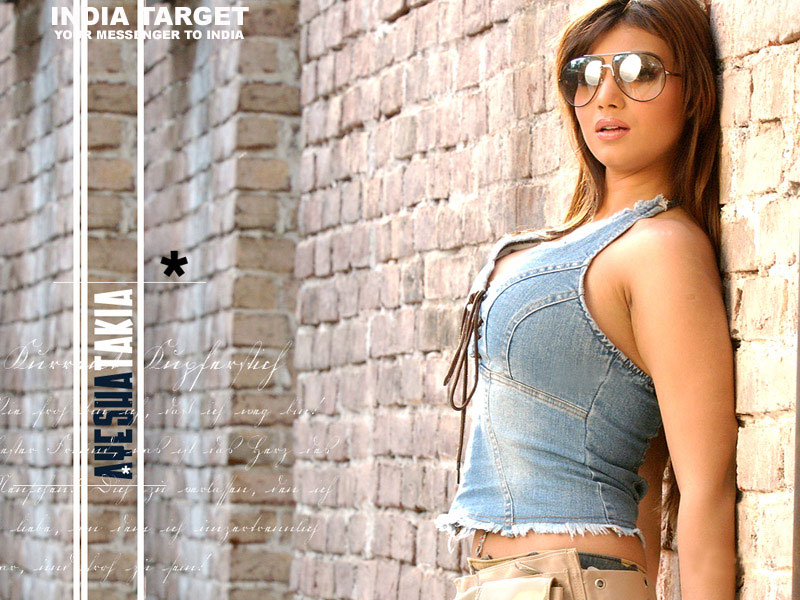 latest bollywood wallpapers. Aysha Takiya latest Bollywood