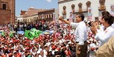 Enrique Peña se compromete en Zacatecas por el crecimiento y la paz en México.