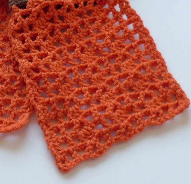 pretty crochet lace for keyhole scarf