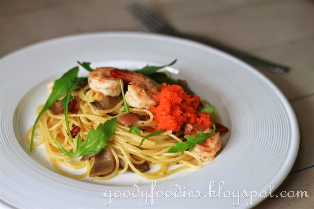 Goodyfoodies recipe spaghetti with king prawns ebikko for Prawn and spaghetti recipe