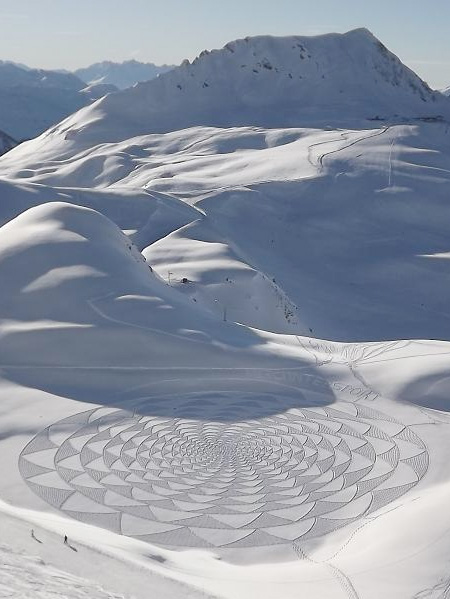 Snow Drawing Photo