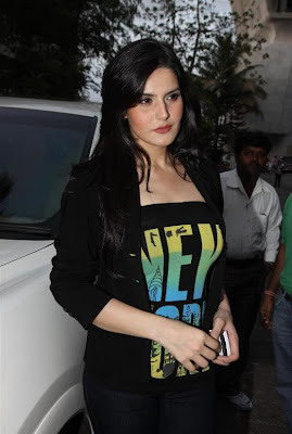 zarine khan, neha bhasintara sharma at wold no tobacco day concert unseen pics