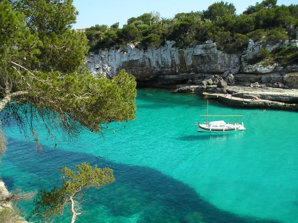 Mallorca a long way down sesion continua for Most beautiful places to live in the us