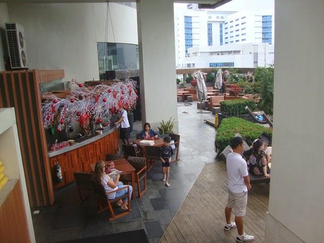 F1 HOTEL MANILA, CANARY LOUNGE