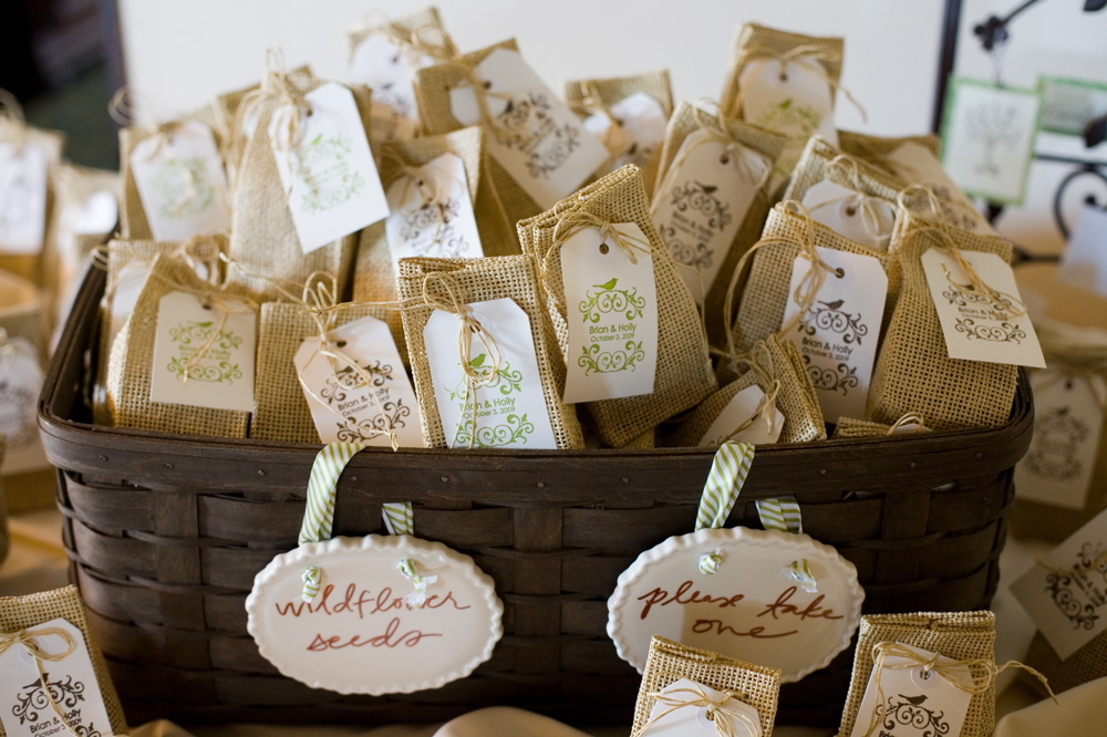 De lovely affair practical planning 7 simple burlap Burlap bag decorating ideas