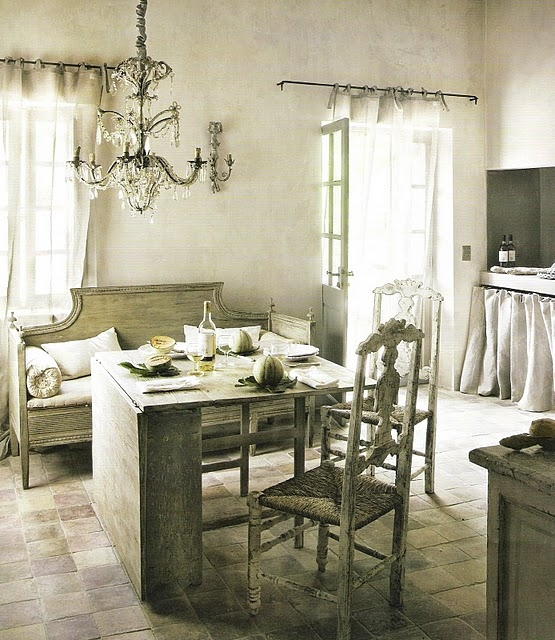 French Grey Kitchen: Eye For Design: Decorate With Grey And White For French