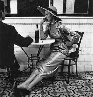 vogue photograph by irving penn of a couple in a cafe