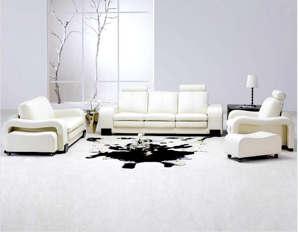 decoracao sofa branco:OFA REVESTIDO EM COURO ESTOFAMENTO BRANCO E TAPETE EM COURO DE BOI
