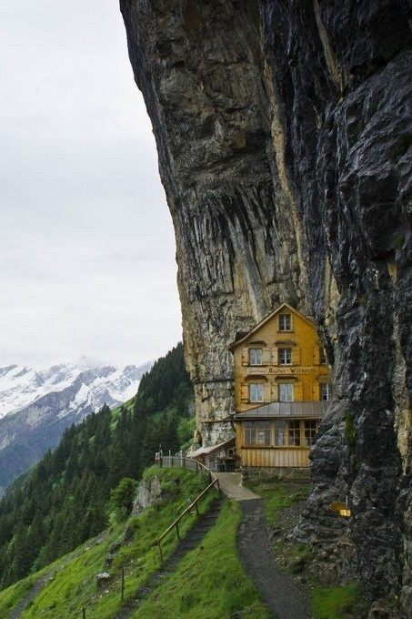 Ascher Cliff Restaurant, Switzerland. Wow! What a nice place this is. It would be great to climb there and have a nice look around the place and have a great dinner. Awesome setting!