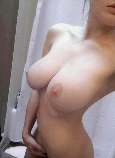 частные фото голая грудь
