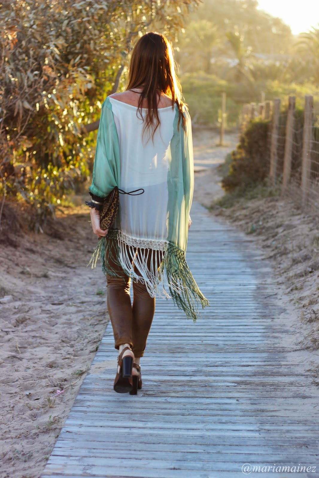 Hippie look - Caftan flecos - aires hippies - outfit verano 2015 - fashion blogger - blogger alicante