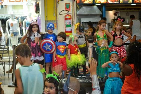Santa Cruz Shopping promove bailinho de carnaval para a criançada