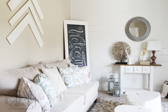 White and neutral decorating ideas for living room