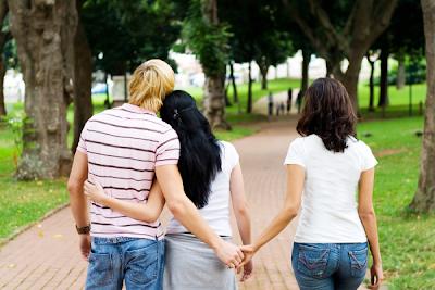 pasangan+curang billyinfo2 6 Jenis Wanita Yang Mudah Ditipu Lelaki