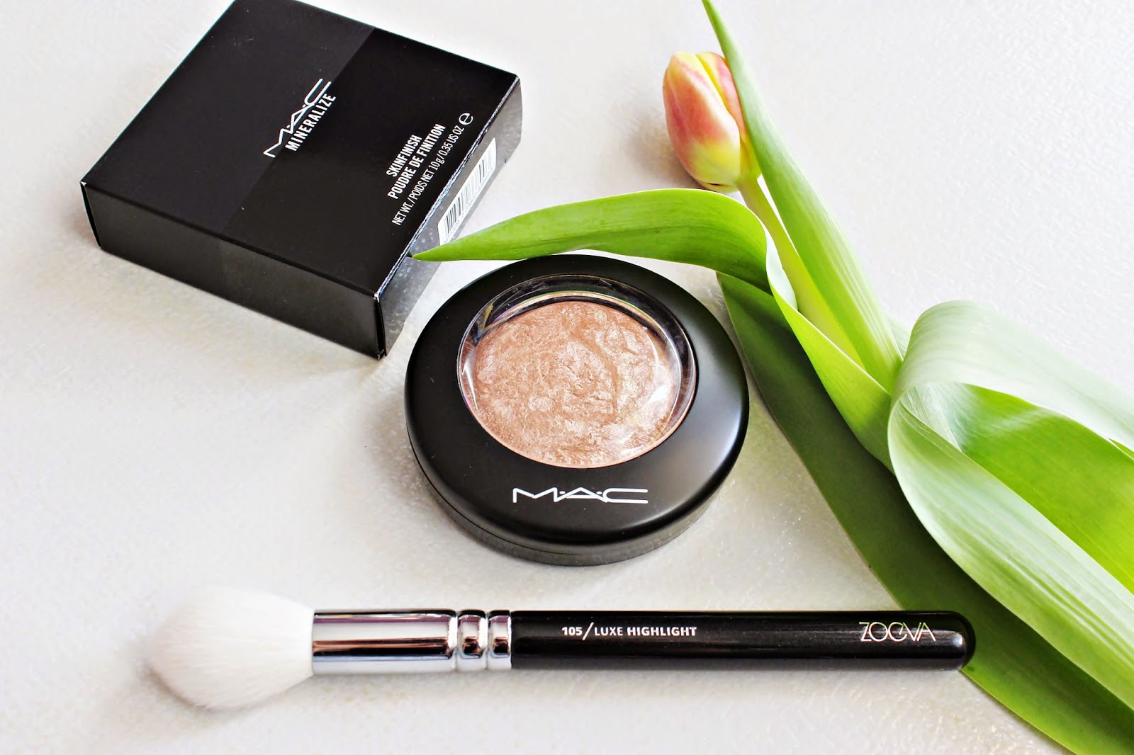 Idealne rozświetlenie - MAC, Mineralize Skinfinish, Soft and Gentle
