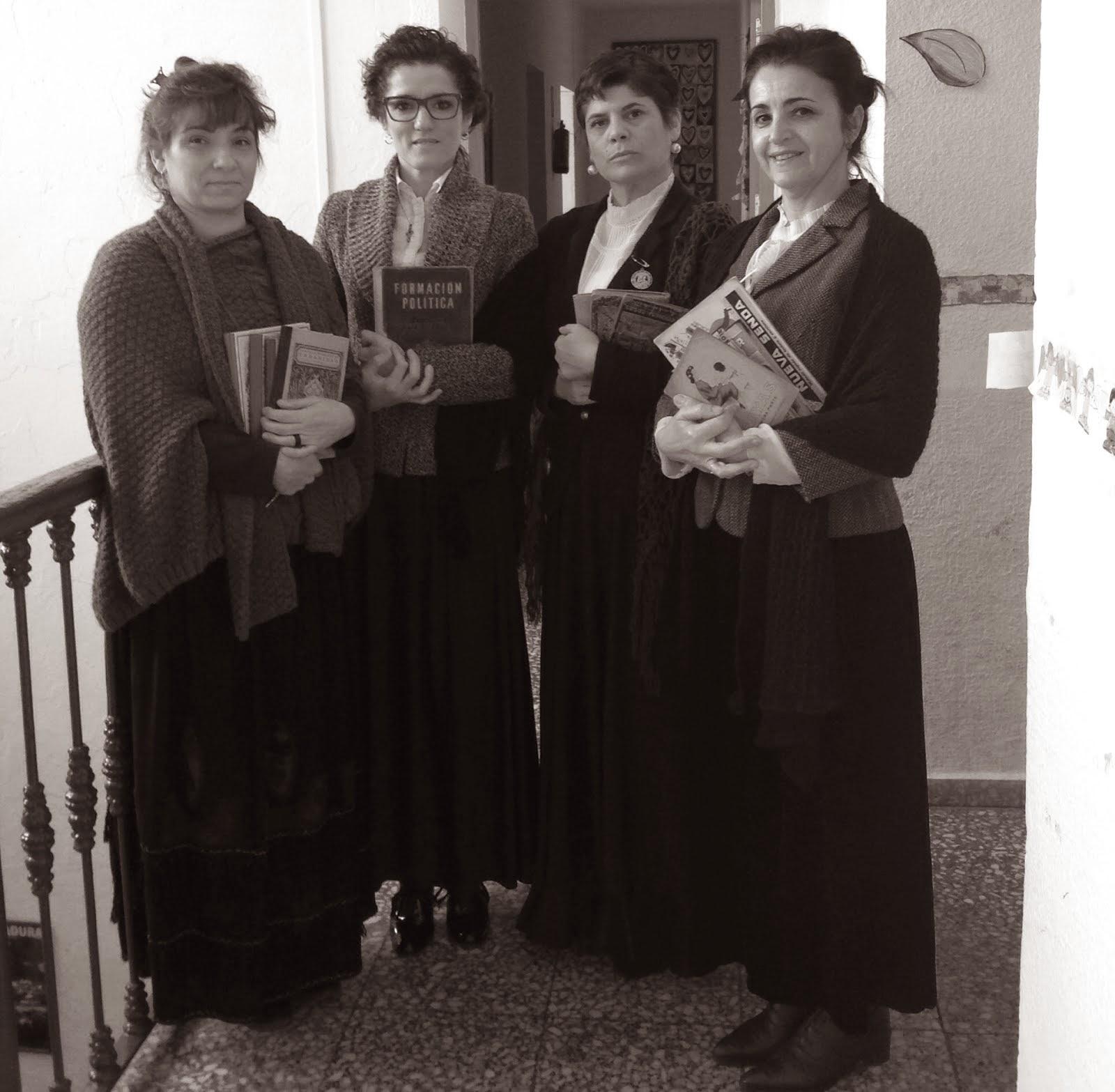 Maestras de hace ...125 años