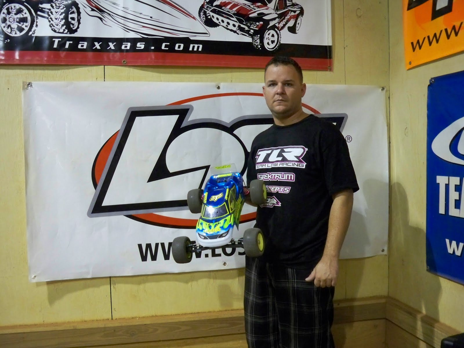 with his Losi XXX-T CR.