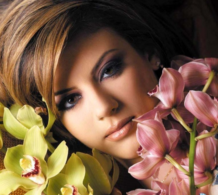 http://4.bp.blogspot.com/-7hA0Fn_nHO8/TlkBAIUmvtI/AAAAAAAAAhc/5ONHH28HAtk/s1600/Dana-Halabi-698x622.jpg