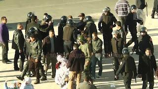 Les forces de sécurité marocaines répriment une manifestation pacifique à la ville d'El Aaiun occupée
