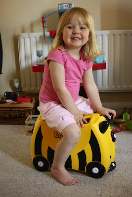 Bernard the bee Trunki suitcase