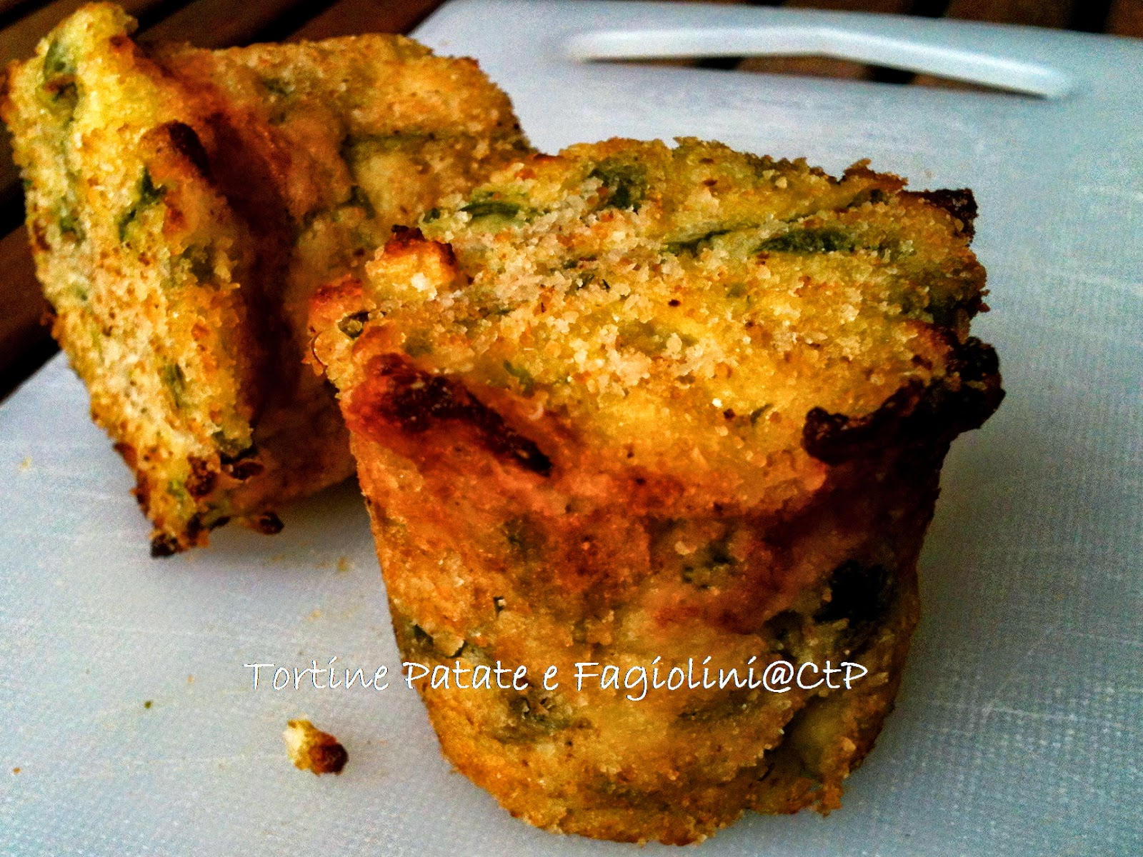 ricetta tortine e torta salata di origine ligure patate fagiolini menta e parmigiano