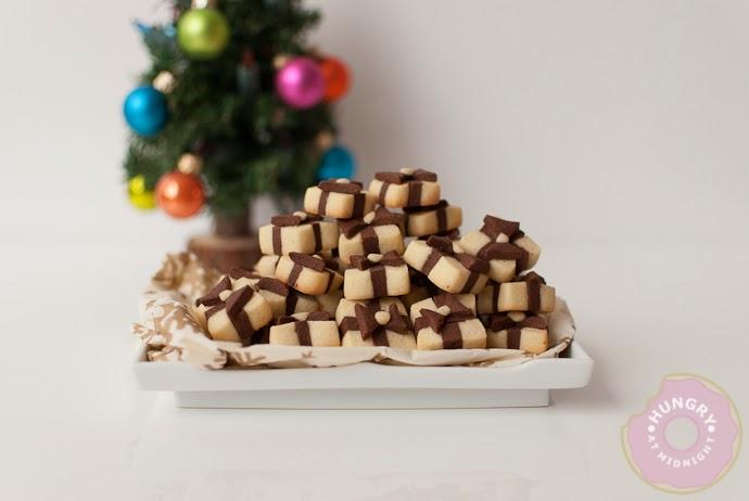 http://4.bp.blogspot.com/-7h_Wvz19J_E/UpOEXyShy1I/AAAAAAAAByk/U9UkcLLG6tU/s1600/Giftboxcookies-7.jpg