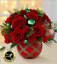 The FTDSeasons Greetings Bouquet