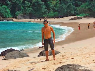 pantai teluk hijau banyuwangi, wisata banyuwangi