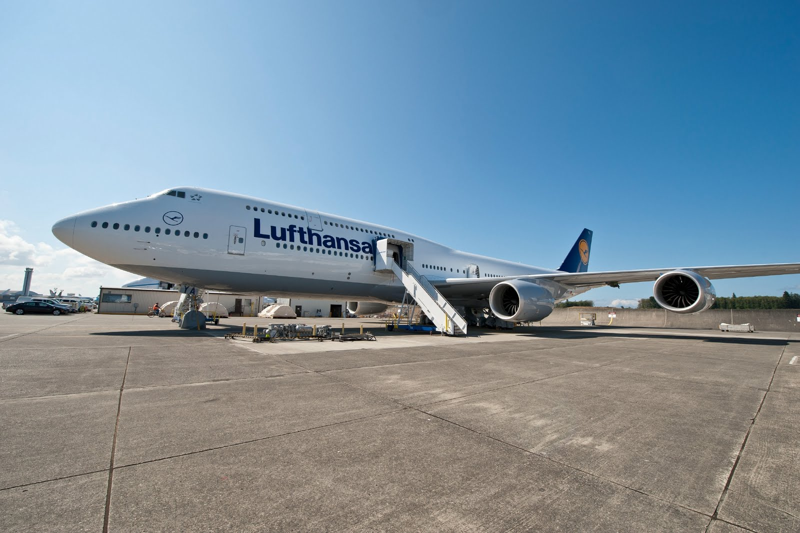 photos lufthansa rolls out their first boeing 747 8i delivery scheduled for feb 13th. Black Bedroom Furniture Sets. Home Design Ideas