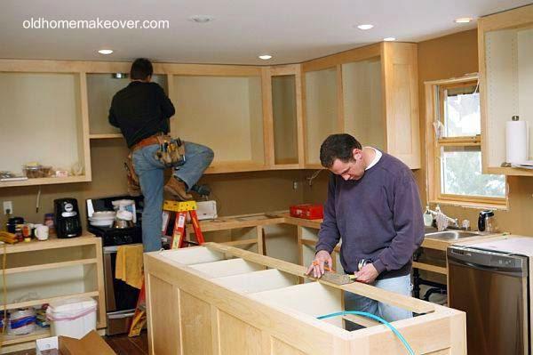 Tareas de renovación de una moderna cocina