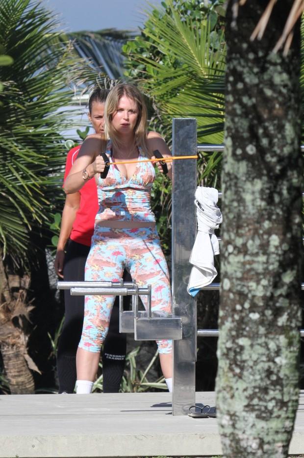 Susana Werner voltou a malhar depois ficar quatro meses sem se exercitar