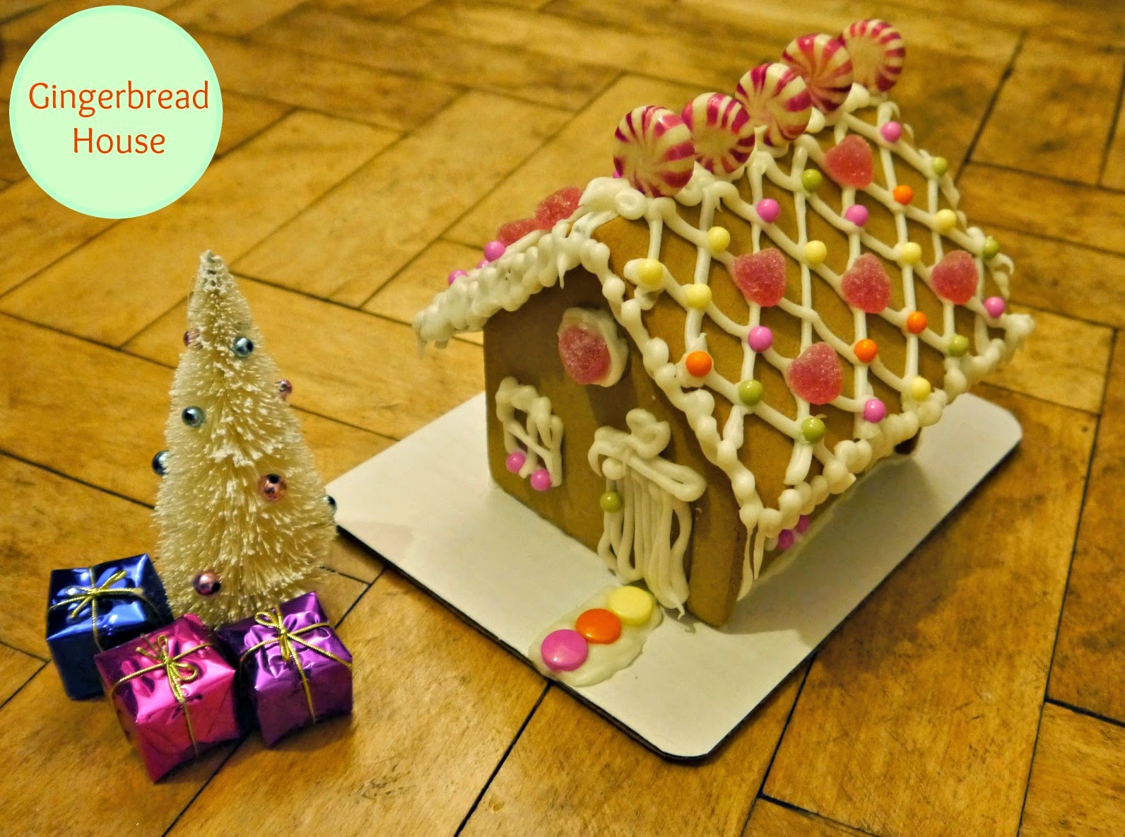 Easy to Decorate Gingerbread House