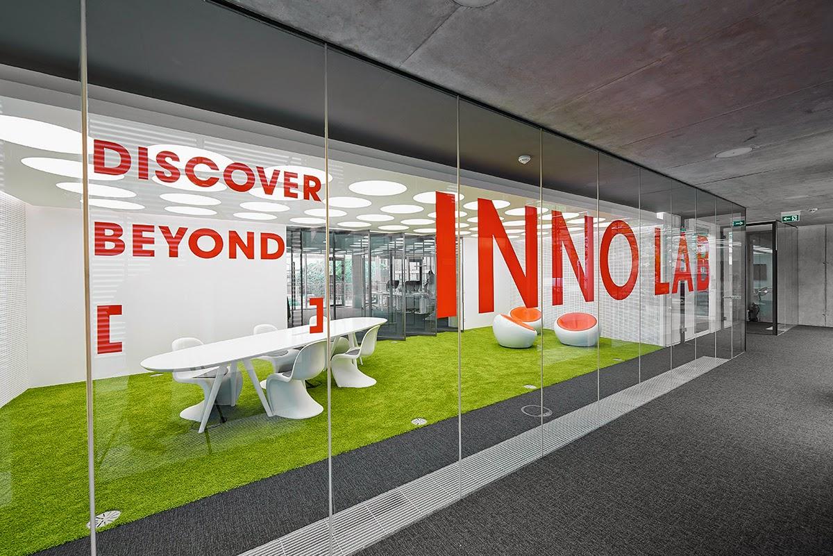 desain-interior-kantor-modern-dinamis-energik-innocean-ruang dan rumahku-blogspot_015