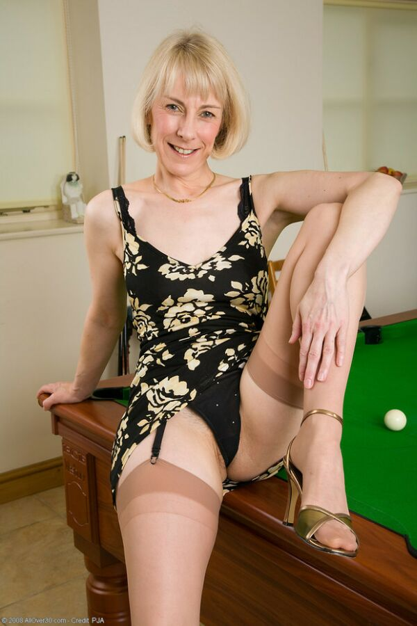 Mature Ladies Hazel 11